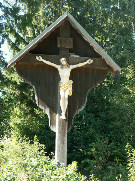 Kreuz bei Privatanwesen in Brunnen